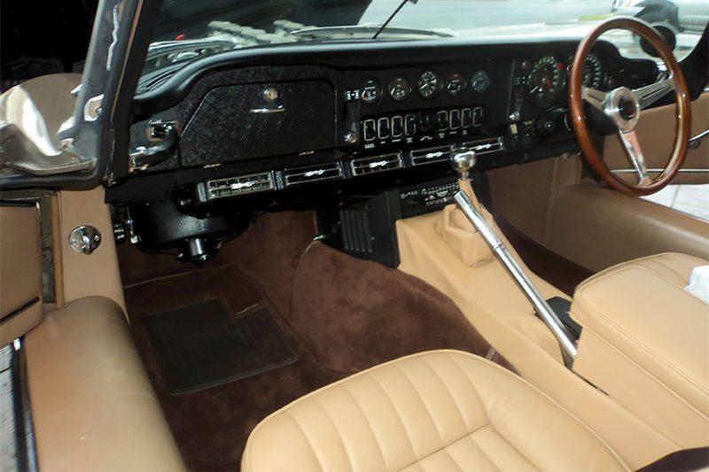 1971 JAGUAR E TYPE S3 RHD INTERIOR 800x533
